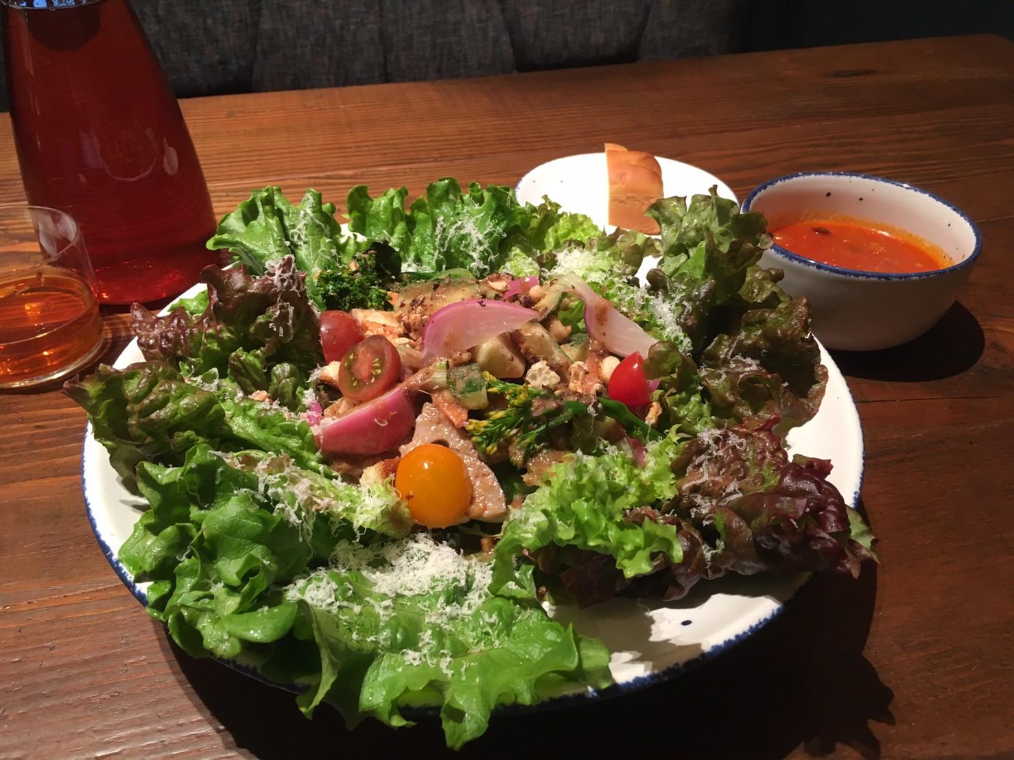 ノック ムスブ 田町店 料理 サラダ
