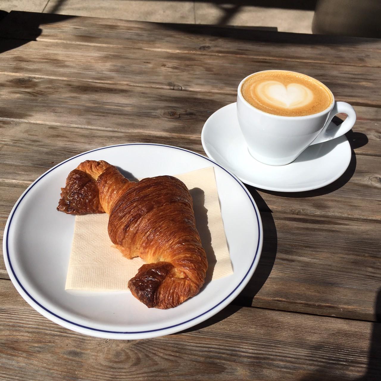bricolage bread & co. クロワッサンとコーヒー