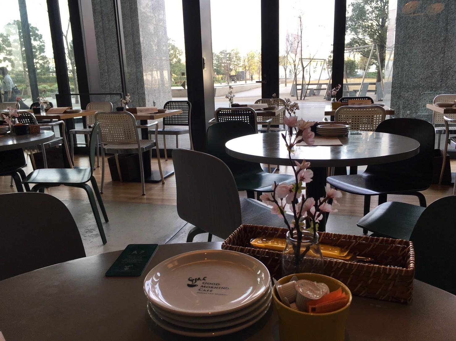 グッドモーニングカフェ 品川シーズンテラス店 内装 客席